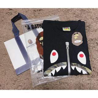 A BATHING APE - BAPE カモシャークt-shirts