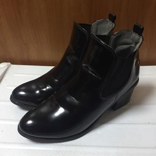 ジーユー(GU)の送料込!GU☆サイドゴアブーツ 黒(ブーツ)