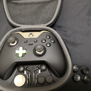 エックスボックス(Xbox)のXbox elite コントローラー とスカフスティック(PC周辺機器)