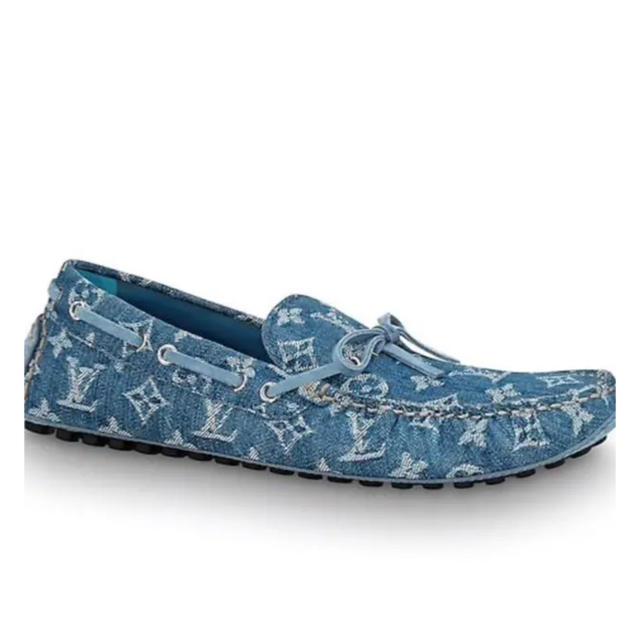LOUIS VUITTON(ルイヴィトン)の値下 ルイヴィトン   アリゾナライン ドライビングシューズ サイズ  8 メンズの靴/シューズ(スリッポン/モカシン)の商品写真