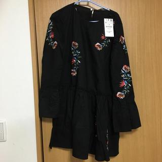 ZARA - 新品  ザラ ミニワンピース シック 花柄  黒  タグ付き
