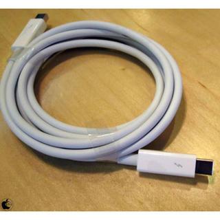 アップル(Apple)のApple Thunderboltケーブル 2.0 m(映像用ケーブル)