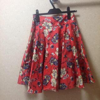 ティティアンドコー(titty&co)の花柄フレアースカート(ひざ丈スカート)