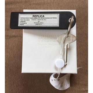 マルタンマルジェラ(Maison Martin Margiela)の18AW新品黒 マルジェラ REPLICA キーホルダー キーリング(リング(指輪))