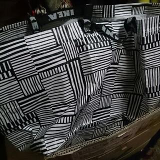 イケア(IKEA)のIKEAのバッグ モノクロ L(ショップ袋)