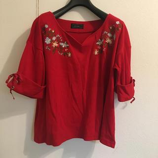 シマムラ(しまむら)の新品未使用  刺繍トップス(カットソー(半袖/袖なし))