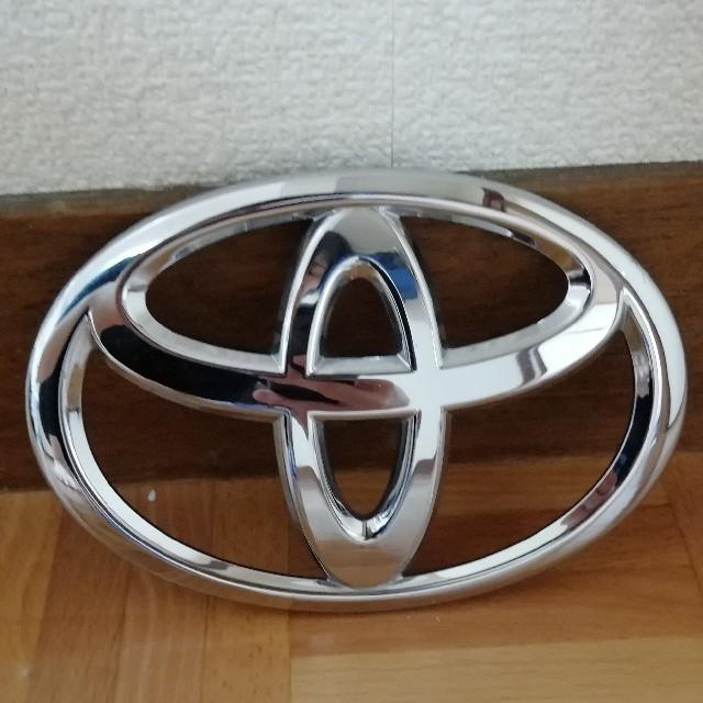 トヨタ(トヨタ)のトヨタ エンブレム プラスチック 自動車/バイクの自動車(車外アクセサリ)の商品写真