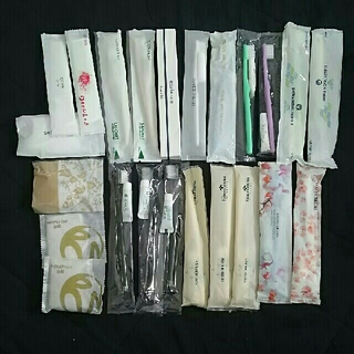 ホテル歯ブラシ17本&くし2本&シャワーキャップ4個セット
