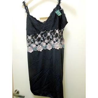 黒にピンクの薔薇刺繍のスリップ バスト90サイズ