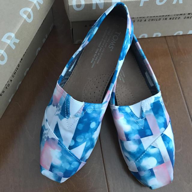 TOMS(トムズ)のTOMS☆スリッポン新品  23センチ レディースの靴/シューズ(スニーカー)の商品写真