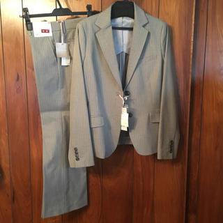 ユニクロ(UNIQLO)のユニクロ グレー ジャケット パンツ スーツ  新品未使用 春秋 背抜き(スーツ)