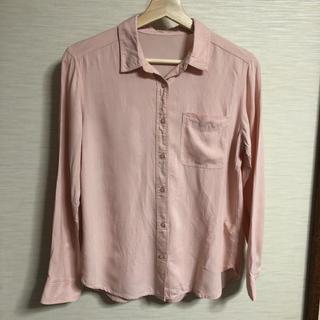 ジーユー(GU)のピンク色 シャツ(シャツ/ブラウス(長袖/七分))