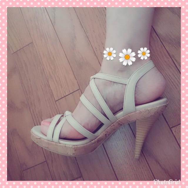 POOL SIDE(プールサイド)の【未使用】POOL SIDE♡細ストラップサンダル(ベージュ)23cm レディースの靴/シューズ(サンダル)の商品写真