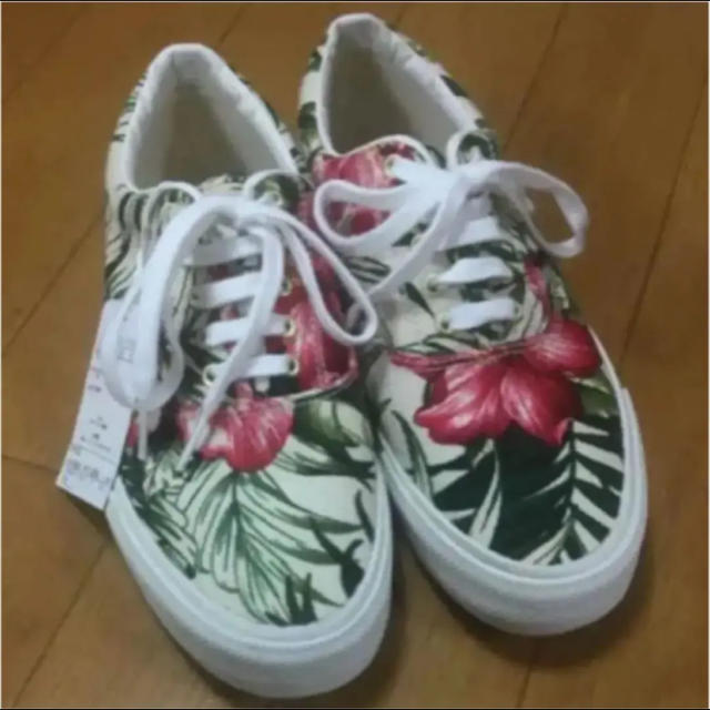 Keds(ケッズ)のked's フラワースニーカー 新品 レディースの靴/シューズ(スニーカー)の商品写真