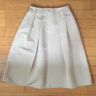 ジーユー(GU)のGU ベージュ Aライン 膝下丈スカート(ロングスカート)