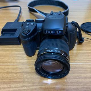フジフイルム(富士フイルム)の デジカメ FinePix HS30EXR(コンパクトデジタルカメラ)