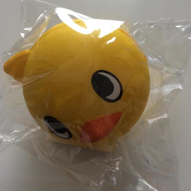 日清食品(ニッシンショクヒン)のチキンラーメンのひよこちゃんスクイーズボール エンタメ/ホビーのおもちゃ/ぬいぐるみ(キャラクターグッズ)の商品写真