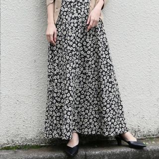 LOWRYS FARM - ハナクルミボタンAラインスカート