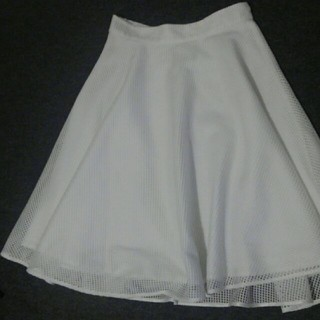 クリアインプレッション(CLEAR IMPRESSION)の白いスカート(ひざ丈スカート)