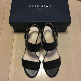 コールハーン(Cole Haan)の美品★COLE HAAN ストラップサンダル 24.5cm ブラックレザー(サンダル)