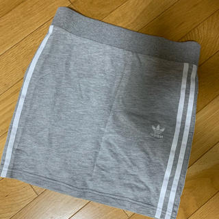 adidas - adidas originals スカート 今週まで値下げ
