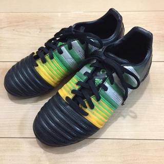 アディダス(adidas)のサッカー トレーニングシューズ 22.0cm(シューズ)