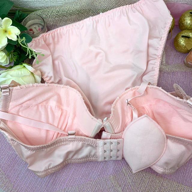 SALE☆新品未使用 E85LL ブラショーset ラブリーピンク 大きいサイズ レディースの下着/アンダーウェア(ブラ&ショーツセット)の商品写真