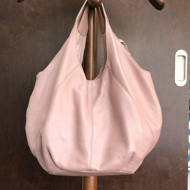 NOJESS(ノジェス)の【NOJESS】ノジェス フリルが可愛い 本革バッグ レディースのバッグ(ハンドバッグ)の商品写真