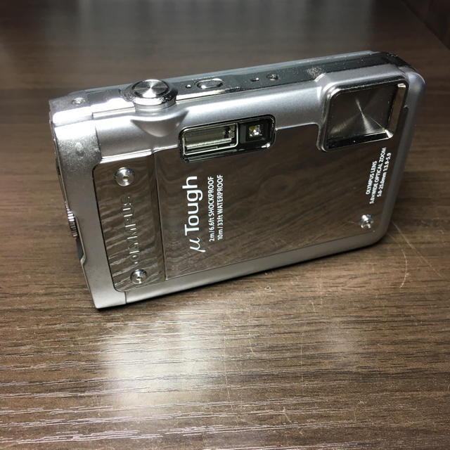 OLYMPUS(オリンパス)のOLYMPUS µTOUGH-8010 スマホ/家電/カメラのカメラ(コンパクトデジタルカメラ)の商品写真