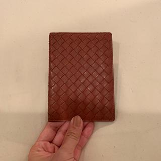 ボッテガヴェネタ(Bottega Veneta)のBOTTEGA VENETAのパスポートケース (名刺入れ/定期入れ)