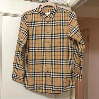 BURBERRY - 【正規品】バーバリー ☆長袖チェックシャツ☆大人も着れるSサイズ
