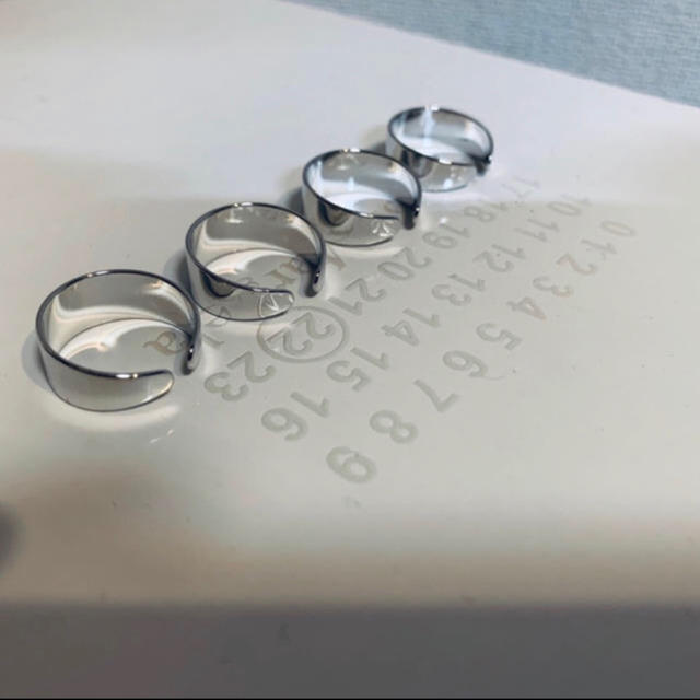 Maison Martin Margiela(マルタンマルジェラ)の四連リング シルバー 即購入OK メンズのアクセサリー(リング(指輪))の商品写真