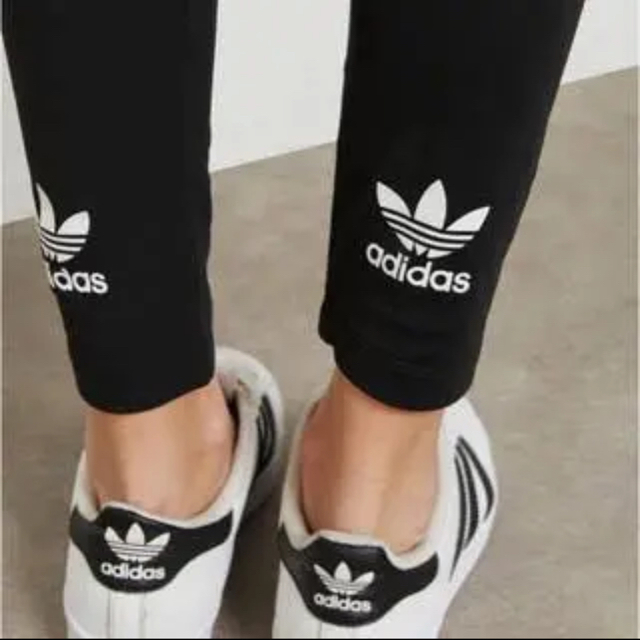 adidas(アディダス)のアディダス レギンス レディースのレッグウェア(レギンス/スパッツ)の商品写真