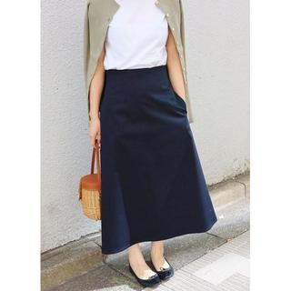 IENA - 【新品タグ付】イエナ コンパクトサテントラペーズスカート 36 紺