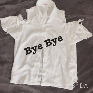 ByeBye - Bye Bye オフショル シャツ