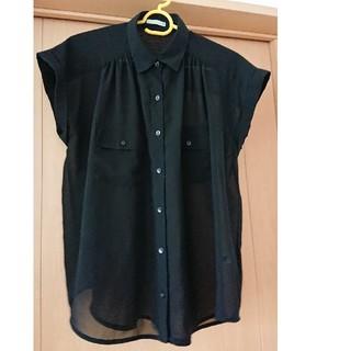 ジーユー(GU)の黒 ブラウス(シャツ/ブラウス(半袖/袖なし))