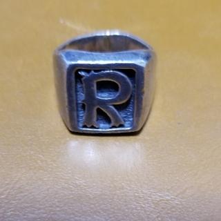 中古品男女兼用シルバー925.Rのロゴ入り指輪です、(リング(指輪))