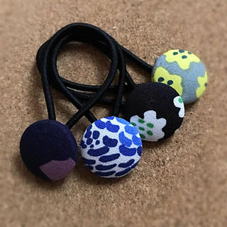 マリメッコ(marimekko)のマリメッコ くるみボタン ヘアゴム (ヘアアクセサリー)