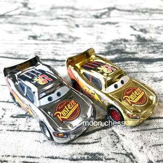 ディズニー(Disney)の【新品】海外 ディズニー カーズ ゴールド シルバー ミニカー セット(ミニカー)