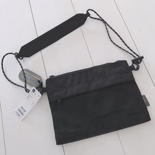 ジーユー(GU)のGU 今季新作 新品タグ付き 未使用 サコッシュ ブラック ショルダーバッグ(ショルダーバッグ)