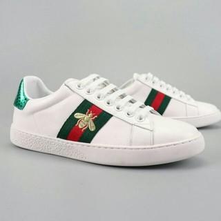 グッチ(Gucci)の新品 GUCCI グッチ スニーカー 靴 メンズ ハチ刺繍 箱付き(スニーカー)