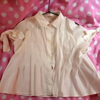 ミスティウーマン(mysty woman)のミスティウーマン 肩空きトップス(Tシャツ(半袖/袖なし))