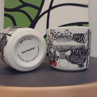 マリメッコ(marimekko)の【美品】marimekko マリメッコ  ラテマグカップ 2個セット(グラス/カップ)
