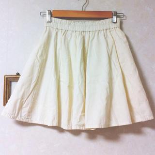 ジエンポリアム(THE EMPORIUM)のゆっきい様お取り置き*白フレアスカート(ひざ丈スカート)