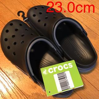クロックス(crocs)のクロックス23cm duet max  clog black/charcoal(サンダル)
