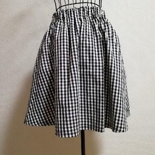 ローリーズファーム(LOWRYS FARM)のスカート フレアー ギンガムチェック 白 黒 柄 新品 膝丈 ミニ タック(ミニスカート)