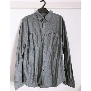 ユニクロ(UNIQLO)のグレーシャツ(シャツ)