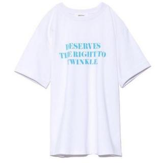 Mila Owen - ミラオーウェン   スリーブデザイン3段ロゴTシャツ