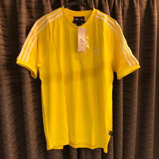 アディダス(adidas)の★新品★アディダスオリジナルス 3ライン Tシャツ ファレルウィリアムス 黄色(Tシャツ/カットソー(半袖/袖なし))