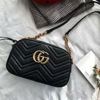 Gucci - Gucci グッチ ブラック ショルダーバッグ